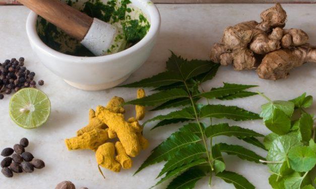 Pertimbangkan! Fakta Seputar Pengobatan Herbal