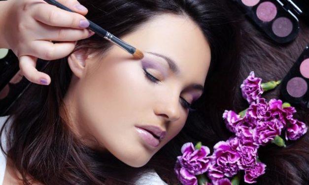 Kandungan Bahan-Bahan Kimia Berbahaya dalam Kosmetik