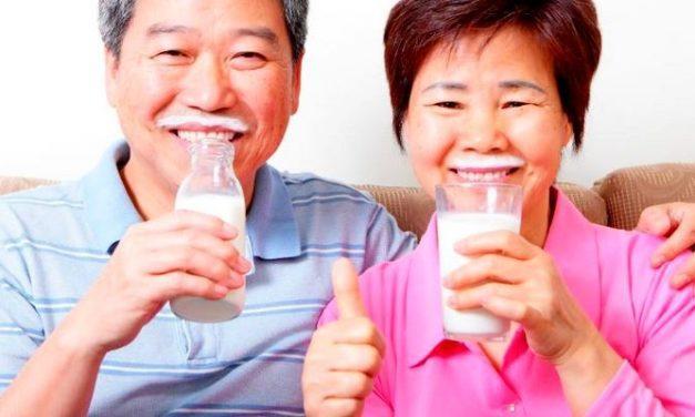 Tetap Menikmati Susu Meski Punya Intoleransi Laktosa: Mungkinkah?