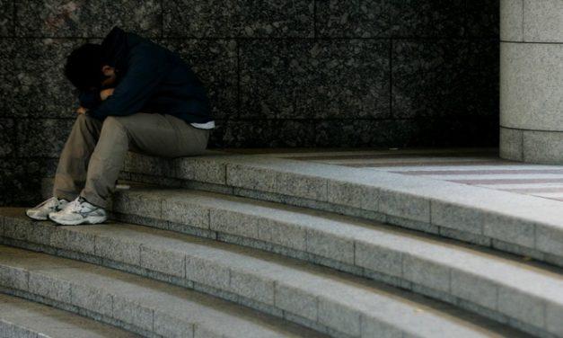 Depresi atau Kesedihan Belaka? Cari Tahu Gejala-Gejala Depresi!
