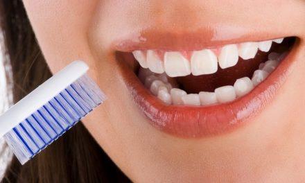 10 Cara Menghilangkan Plak Dan Karang Gigi Secara Alami Deherba Com