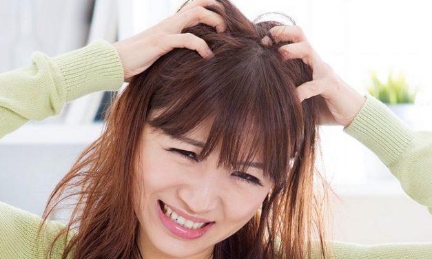 6 Cara Mudah Untuk Mengatasi Kulit Kepala Gatal