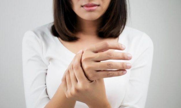 Tangan Sering Gemetar, Gejala Penyakit Apa?