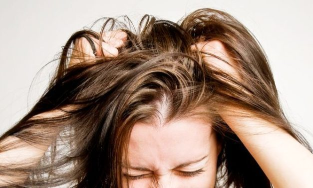 Suka Kesal Karena Kulit Kepala Gatal? Ini Dia 5 Penyebab Utamanya!