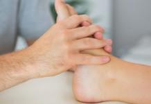 ilustrasi obat kaki bengkak alami