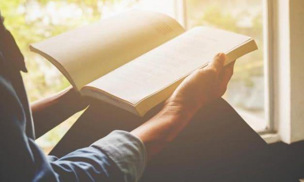 Manfaat Membaca Setiap Hari: Menjadi Pintar, Cerdas, Sehat, dan Bahagia