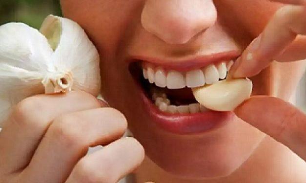 Jangan Ulangi 7 Kesalahan dalam Cara Makan Bawang Putih sebagai Obat Ini!