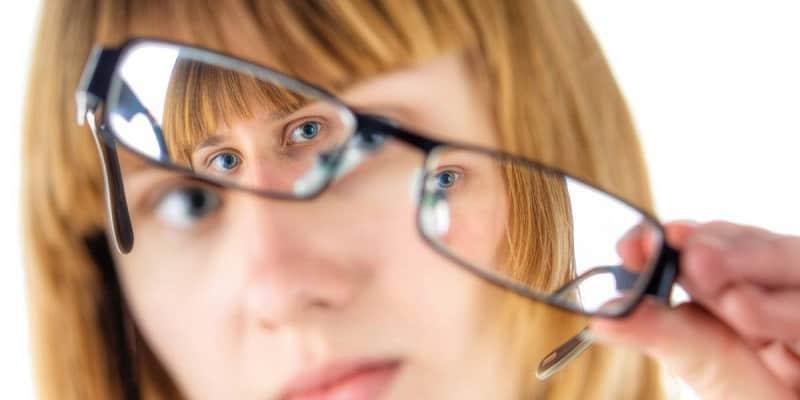 Astigmatisma: Penyakit Mata Silinder