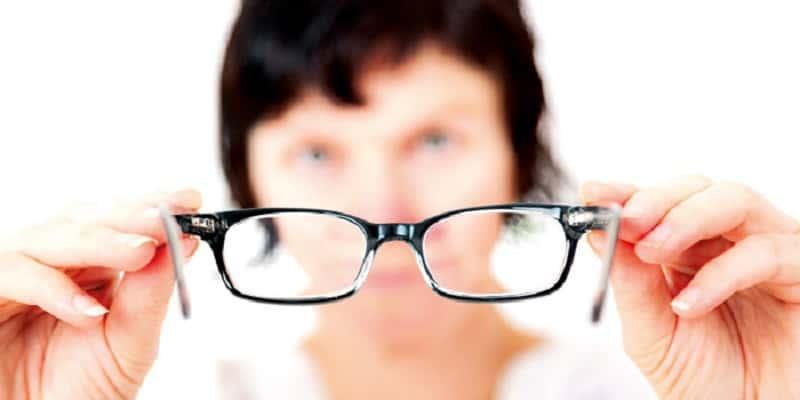 Presbiopi: Penyakit Mata Tua Pada Lansia