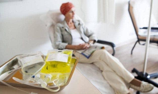 Memahami Keluhan Mulut Kering dan Radang Karena Efek Kemoterapi