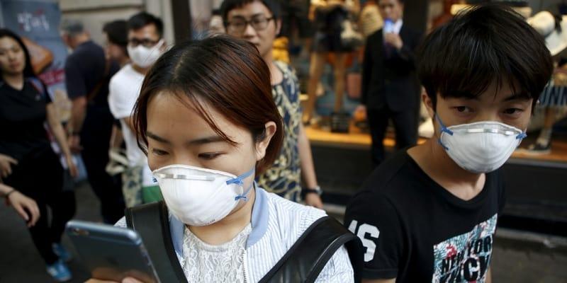Ilustrasi Masker Respirator untuk Anti Polusi