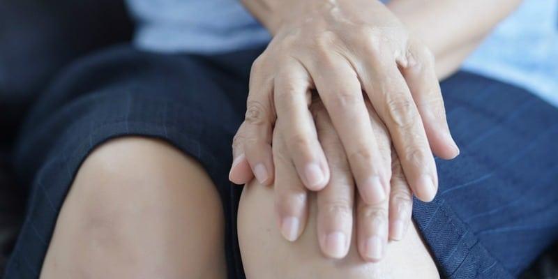 Herbal Noni juice, obat pengapuran sendi lutut yang alami