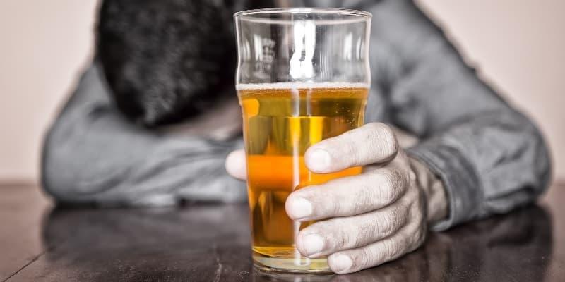 alkohol berlebihan, salah satu penyebab penyakit kanker ginjal