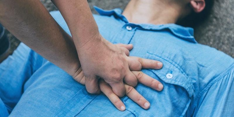 Cara Melakukan Resusitasi Jantung Paru yang Benar