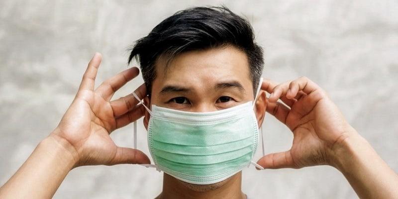 Ilustrasi Cara Memakai Masker yang Benar untuk Orang Sehat dan Sakit
