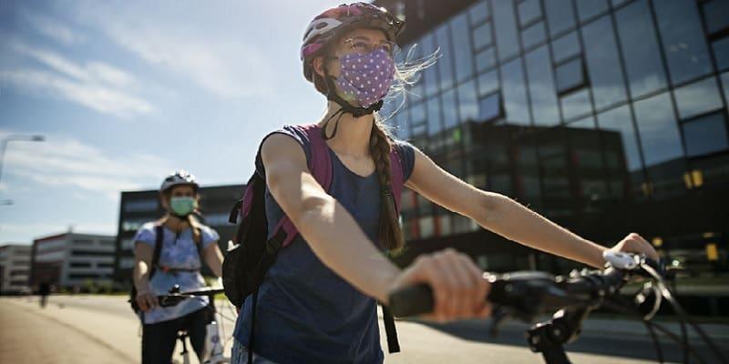 bersepeda pakai masker