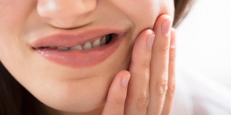 Ilustrasi Cara Mengatasi Gigi Sensitif